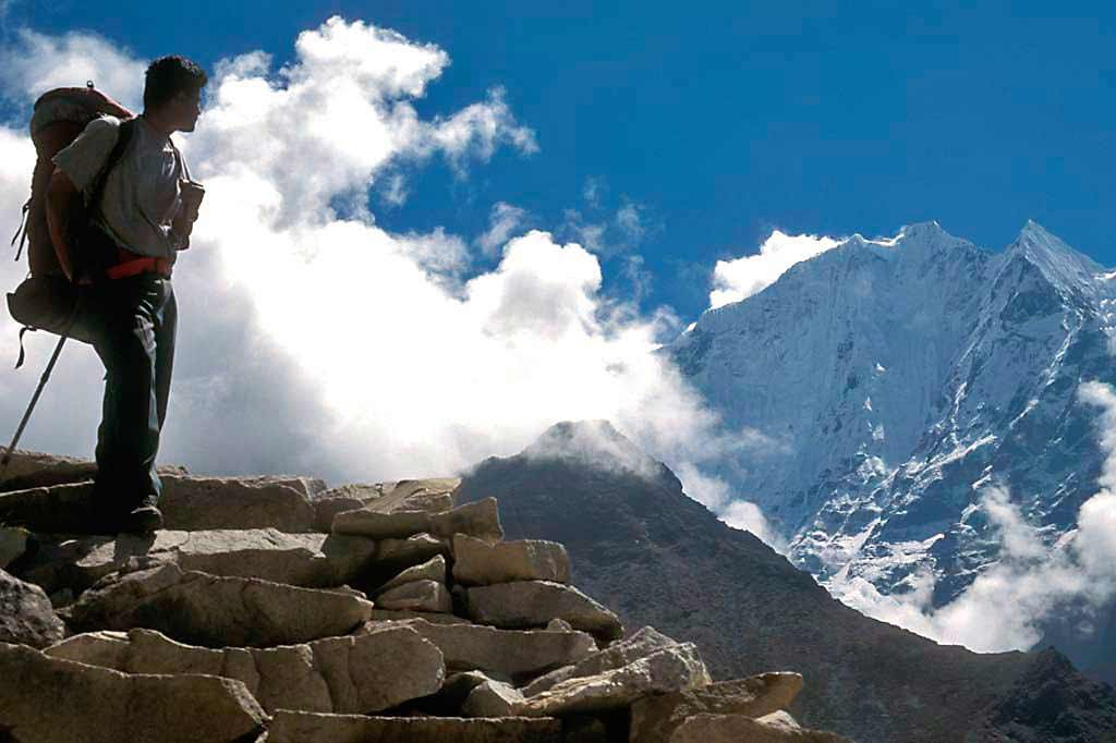 Everest Trek to Kala Pattar, Gokyo, Cho La & Rhenjo La November 8-24 2015