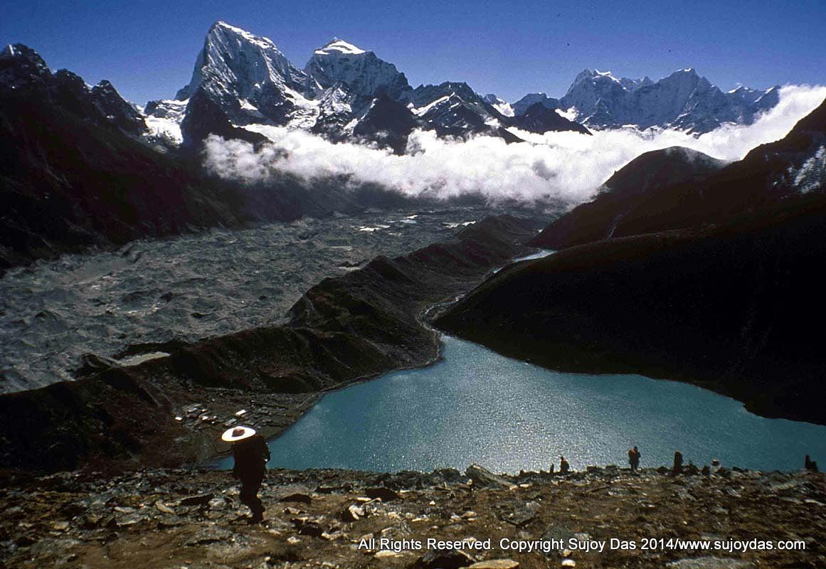 Everest Trek to Kala Pattar, Gokyo, Cho La & Rhenjo La November 8-24 2015